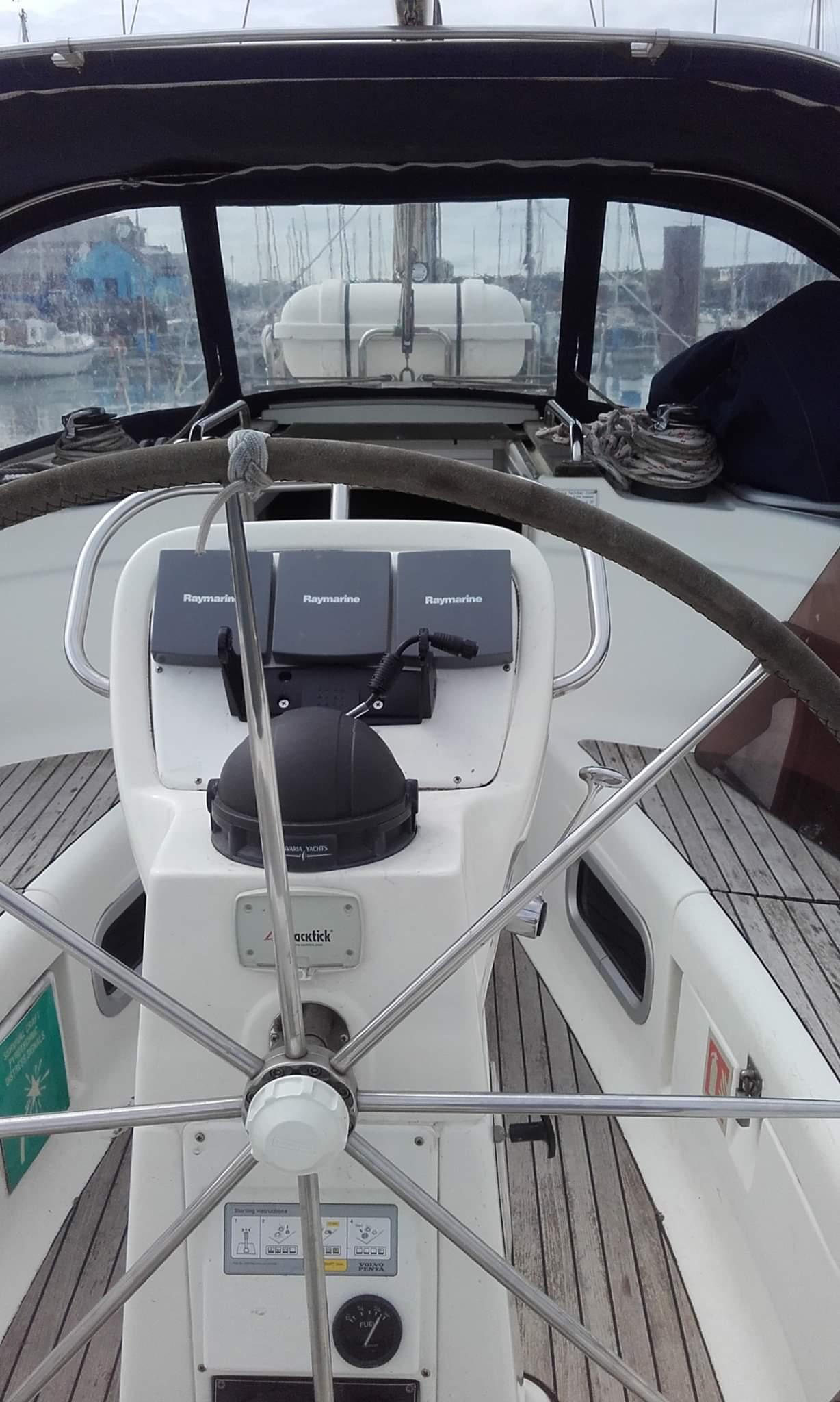 Bavaria 38 Solway Adventurer - Yacht for charter instruments