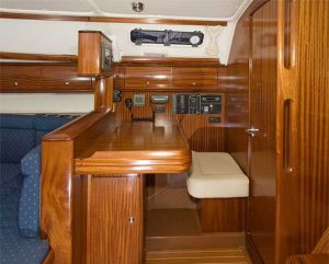 Bavaria 38 Solway Adventurer - Yacht for charter Chart table