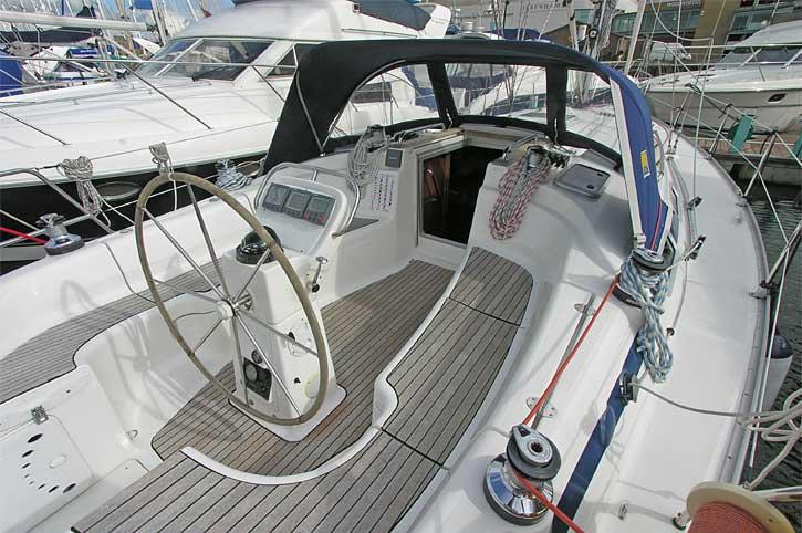 Bavaria 38 Solway Adventurer - Yacht for charter Cockpit